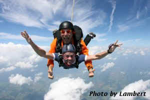 Charlottesville, Virginia Tandem Skydivign pair in freefall from 17,500' AGL